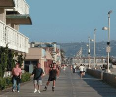 A wide, concrete path for biking, jogging, skating and strolling extends the entire length of Hermosa Beach.