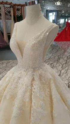 Sexy shiny sleeveless Wedding gowns. Estimated Delivery Time: USA 4-9 Days (DHL) ; Worldwide 15-30 Days. Processing time 25-30 business day after payment .