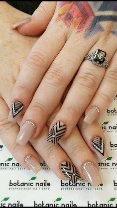 New Manicure Pedicure Designs Tips Ideas Fall Nail Art Designs, Pretty Nail Designs, Gorgeous Nails, Pretty Nails, Line Nail Art, Modern Nails, Pedicure Designs, Stylish Nails, Nude Nails