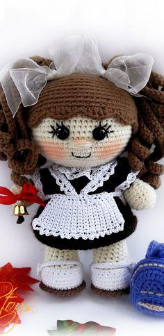 Amigurumi doll patterns Amigurumi schemes in Russian Crochet Gifts, Crochet Toys, Free Crochet, Crochet Dolls Free Patterns, Crochet Doll Pattern, Amigurumi Doll Pattern, Doll Tutorial, Knitted Dolls, Crochet Projects