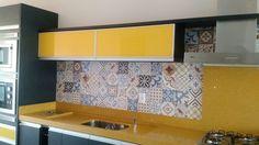 Papel de Parede Ladrilho para cozinha, material impermeável e de fácil limpeza.