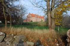 Næsbyholm, Slot og Gods ved landsbyen Næsby 8 km sydøst for Sorø.