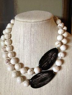 Black and White Statement Necklace by ZancsJulz on Etsy Más Bead Jewellery, Beaded Jewelry, Jewelery, Handmade Jewelry, Jewelry Necklaces, Unique Jewelry, Gothic Jewelry, Bracelets, Diy Necklace