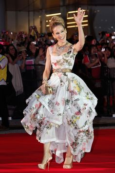 Sarah Jessica Parker in Vivienne Westwood at the SATC2 Japan premiere (Glamour.com UK)