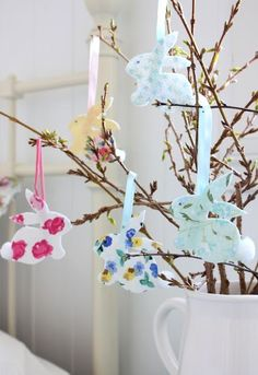 You do not necessarily have to have a real tree for making your Easter special. Use these easy Easter tree decoration ideas to add an extra special touch to your decor. Hoppy Easter, Easter Bunny, Easter Eggs, Easter Tree Decorations, Easter Wreaths, Easter Decor, Easter Crafts, Holiday Crafts, Easter Specials