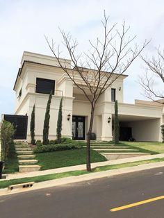 Classic House Exterior, Classic House Design, Minimalist House Design, House Paint Exterior, Dream House Exterior, Dream Home Design, Dream House Plans, Modern Exterior, Modern House Design