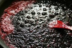 blackberries jam cooking. This is made without pectin, Can us raspberries too