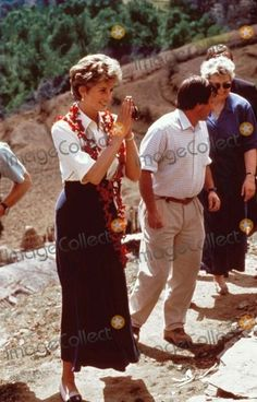 THE PRINCESS DIANA IN NEPAL TOUR CONTINUES 3 MARCH 1993 PAKHRIBAS AGRICULTURAL RESEARCH CENTRE