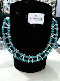 aparatlı kolye ile ilgili görsel sonucu Beaded Jewelry Patterns, Beading Patterns, Turquoise Necklace, Beaded Necklace, Beaded Bracelets, Ring Tutorial, Ring Earrings, Metallica, Beads