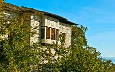 Μια βόλτα στην αυθεντικά όμορφη Βυζίτσα   K-news Mansions, House Styles, Home Decor, Mansion Houses, Decoration Home, Manor Houses, Villas, Fancy Houses, Interior Design