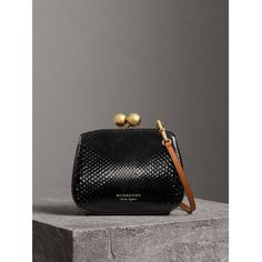 Burberry - Small two-tone python metal frame black clutch bag Burberry Handbags, Prada Handbags, Prada Bag, Handbags On Sale, Black Handbags, Luxury Handbags, Fashion Handbags, Burberry Bags, Suede Handbags