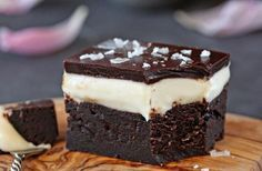 Goat Cheese Brownies are a rich, decadent brownie made with goat cheese, topped with a goat cheese frosting and chocolate glaze. No Bake Desserts, Easy Desserts, Delicious Desserts, Yummy Food, Cheese Brownies, Cheesecake Brownies, Sweet Recipes, Cake Recipes, Dessert Recipes