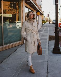 creamy neutrals, madewell chore coat, white jeans, brown loafers, staud moon bag