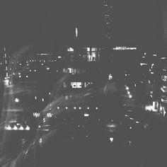 bengtssonsofia@ instagram. Västra hamnen by night #västrahamnen #turningtorso #malmö #malmo #blackandwhite #bnw #bw #blackandwhitephotography #lights #me #fromwhereistand #architecture #city #night #fromabove #iphone #simplicity #iphoneonly #sweden #swedish #sverige #instagram #statigram