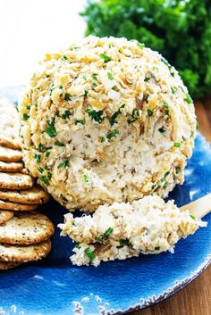 FRENCH ONION & BACON CHEESE BALL - Caramelized onions, Gruyere and cream cheese coated in crunchy fried onions and chives, an insanely delicious appetizer.