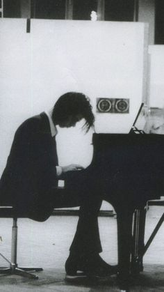 Nick Cave - The Red Hand Files - Issue - What are your plans for the corona pandemic? What do you intend to do to fill the time? A solo performance from home on the piano? : The Red Hand Files
