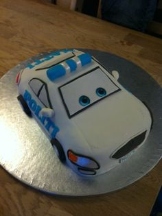 police car cake for a birthday