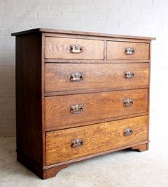 An Arts & Crafts Oak Chest of Drawers