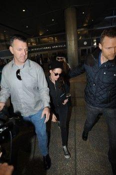 HollywoodStarsNews: Kristen Stewart no LAX (05-02-2014)