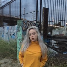 「billie eilish twitter」の画像検索結果