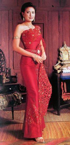 Love Red Thai Silk Dress Thai Traditional Dress, Traditional Outfits, Skirt Fashion, Fashion Dresses, Thai Dress, Thai Style, Asian Fashion, Silk Dress, Asian Beauty