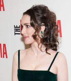 Super-basic Hair Idea I'm Crushing on This Morning: This Curly Half-up Hairstyle: Girls in the Beauty Department: glamour.com