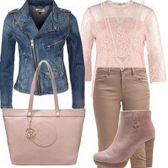 Giubbino di jeans blu scuro, pantalone stretto beige, maglia rosa chiaro con ricami, stivaletto basso beige con tacco, doppia collana color oro, shopping bag rosa secco, per un outfit semplice ed elegante!