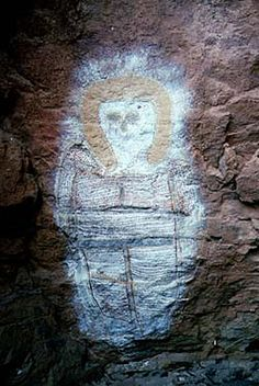 The Wandjina Ancient rock art from Australia show Things some people construe as aliens, flying saucers and crop circles, . Aliens And Ufos, Ancient Aliens, Ancient History, Ancient Mysteries, Ancient Artifacts, Ancient Astronaut Theory, Alien Theories, Cave Drawings, Mystery Of History