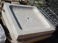 Plato de ducha de mármol, de color blanco crema. --- Dimensiones: 100x100cm --- Ref:R0471 (13 cm de profundidad) --- Ref:R0472 (11 cm de profundidad) ---  Realizamos envíos ---  P.V.P 423,5€ --- Hazte con la tuya haciendo click en la imagen!!