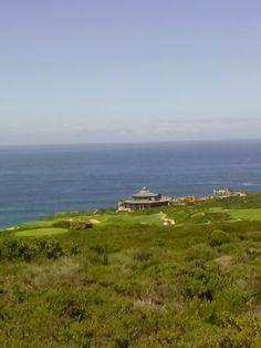 Pinnacle Point Golf Course in Mossel Bay, Western Cape Famous Golf Courses, Public Golf Courses, St Andrews Golf, Coeur D Alene Resort, Augusta Golf, Golf Course Reviews, Coeur D'alene, Bay Area, East Coast