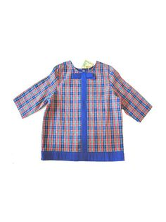 Cute shirt in 100 % cotton in a trendy royal blue with a knot stitched on the front . Buttonned on the back with nacre buttons 3/4 sleeves lined in blue cotton designed and made in france I take order and make your top in about 10 days approx . Just tell me the size you are and we make you one !  SIZES : US 8 child , 10 , 12 years old ;  US XS and Small women