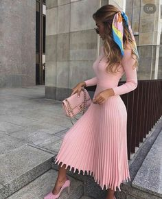 Date Outfit Ideas: Elegantly Dress up For a Date the Victoria-Fox Way - Theresa Girly Outfits, Cute Casual Outfits, Stylish Outfits, Dress Outfits, Fashion Dresses, Classy Winter Outfits, Dress Dior, Dress Up, Knit Dress