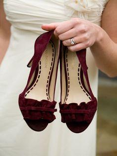 tendenze per il matrimonio 2018_scarpe colorate bourdeaux