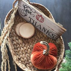 🍁Give Thanks wood plaque sign with orange glue gunned pumpkin 🎃😊