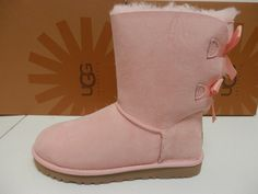 UGG WOMENS BOOTS BAILEY BOW ENGLISH PRIMROSE SIZE 9