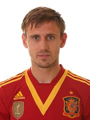 Collection of Nacho Monreal football wallpapers along with short information about him and his career. Fifa, Read Image, Football Wallpaper, Football Players, Polo Ralph Lauren, Sporty, Pictures, Photos, Mens Tops