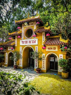 Hanoi temple, Ha Noi, Vietnam