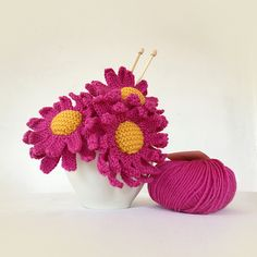Ravelry: Knitted Daisy pattern by The Mercerie Daisy Pattern, Flower Center, Knitting Patterns, Knitting Ideas, Garter Stitch, Easy Projects, Brooch Pin, Merino Wool, Ravelry