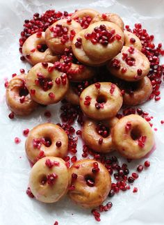 Can you tell I love donuts? Over the last couple of years I've made donuts in lots of. Delicious Desserts, Dessert Recipes, Yummy Food, Fun Food, Churros, Pomegranate Recipes, Donut Glaze, Donut Recipes, Yummy Recipes