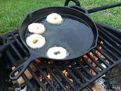 These campfire donuts are our kids favorite of all our ca… Easy campfire recipes! These campfire donuts are our kids favorite of all our camping recipes! Great camping breakfast or dessert idea. Camping Hacks With Kids, Camping 2, Beach Camping, Camping Cooking, Family Camping, Camping Games, Camping Guide, Camping Checklist, Camping Survival
