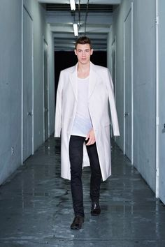 See all the Collection photos from Blk Dnm Spring/Summer 2014 Menswear now on British Vogue Male Fashion Trends, Latest Mens Fashion, Fashion News, Fashion Models, Men's Fashion, Spring 2014, Spring Summer, Summer 2014, Well Dressed Men