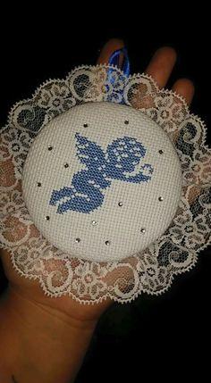 Cross Stitch Angels, Xmas Cross Stitch, Cross Stitch Baby, Cross Stitch Embroidery, Pop Tab Crafts, Diy And Crafts, Arts And Crafts, Cross Stitch Designs, Cross Stitch Patterns