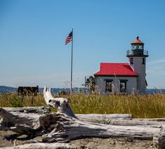 Point Robinson Lighthouse is a working lighthouse.