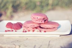 raspberry and pink peppercorn macaroons
