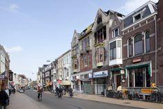 De Oude Ebbingestraat is een straat in de binnenstad van Groningen. De straat loopt van de noordzijde van de Grote Markt naar de Diepenring. Ten noorden van de Diepenring verandert de naam in Nieuwe Ebbingestraat. De naam komt voor het eerst voor in 1245 ('Dodo Ebbinga scultetus'). Daarmee is het voor zover bekend de oudste nog bestaande straatnaam in Groningen.