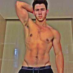 Nick Jonas shirtless - and other celebrities who took shirtless selfies! #fitness #workout #selfie #jonasbrothers