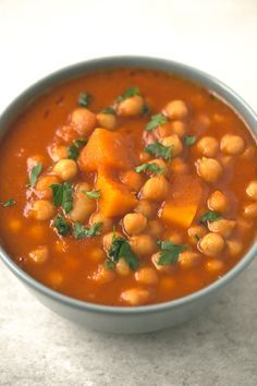Vegan Spanish pumpkin and chickpea stew recipe - You need to give this Spanish pumpkin and chickpea stew a try! It's so comforting, satisfying and easy to make. Gourmet Recipes, Crockpot Recipes, Real Food Recipes, Soup Recipes, Vegetarian Recipes, Cooking Recipes, Healthy Recipes, Calabaza Recipe, Chickpea Stew