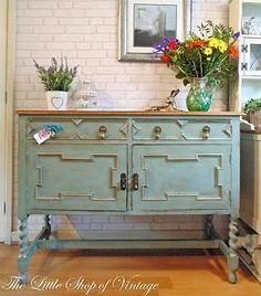 Antique Solid Oak Sideboard Cabinet Cupboard Drawers Dresser Key Shabby Chic 4ft