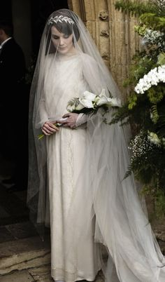 Michelle Dockery as Lady Mary Crawley in Downton Abbey. Matthew And Mary, Lady Mary Crawley, Edith Crawley, Matthew Crawley, Downton Abbey Fashion, Downton Abbey Costumes, Michelle Dockery, Moda Vintage, Wedding Album