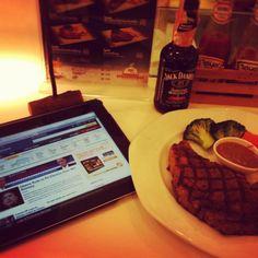 Celebration #lunch menu after US #election2012~ rib eye steak w #jack & #iPad .. #cheerup
